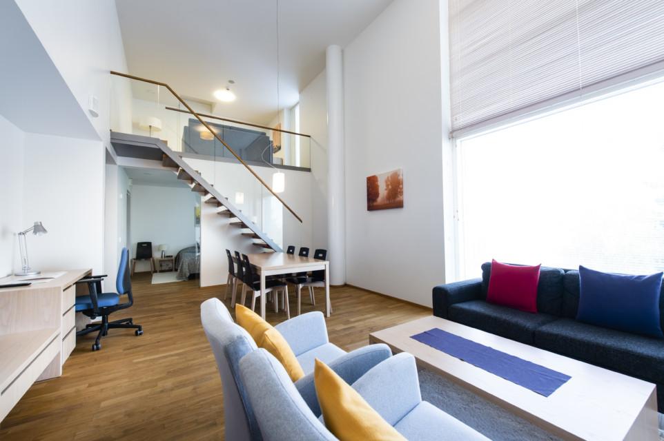 Unihome - Aalto Inn -kaksio parvella 55 m2