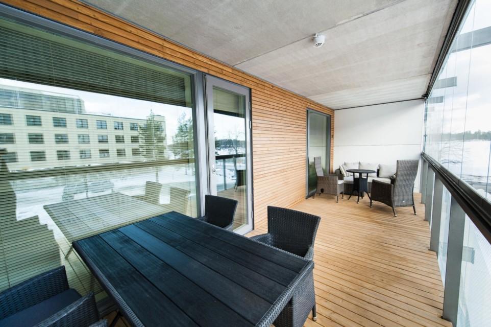 Unihome - Aalto Inn - Kaksio parvekkeella