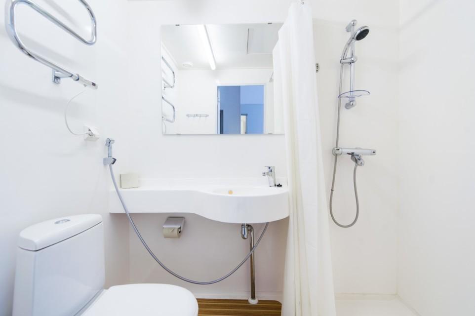 Unihome - Töölö Towers - bathroom